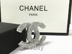 NEW CC Classic brooch Sparkling Crystal 18k-white-gold pin