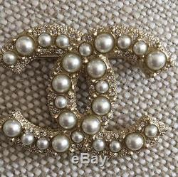 NEW CHANEL Classic Large CC Logo Pearl Gold Metal Brooch Pin