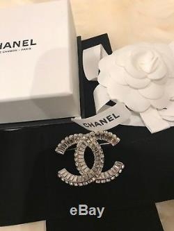 NIB Chanel XL Extra Large Silver Classic CC Crystal Strass Baguette Brooch