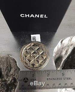 NWT CHANEL 2016 2015 Gold Coin Quilted Medallion CC Charm Classic Brooch Pin NEW