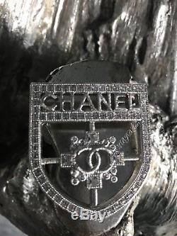 NWT CHANEL Crest Badge Brooch CC Shield Strass Crystal Silver 2017 Iconic PIN