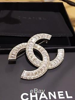 New 100% Auth 2016 Chanel Classic CC Gold Crystal Pin Brooch Sold Out