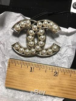 New Auth CHANEL XLarge CC Logo All Pearls Light Gold Brooch Hard To Find