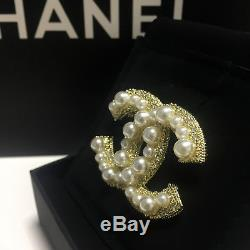New Chanel Anniversary Large Cc White Pearl Brooch With Pearls and Crystals Gold