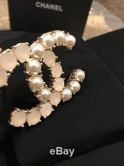 New Chanel Classic CC Gold Pearl and Crystal Pin Brooch