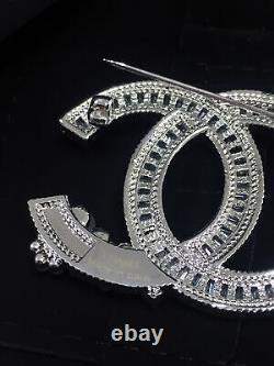 New Classic Chanel CC Logo Brooch 18k White Gold Crystal Pearls Pin