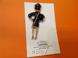 Newith/Auth Rare Chanel Vip Gift Coco perfume brooch pin in black