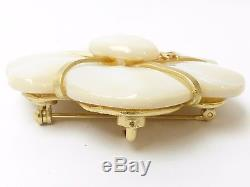 R54383 Auth VINTAGE Chanel 01A CC Fake White Shell Brooch Gold HW withBox