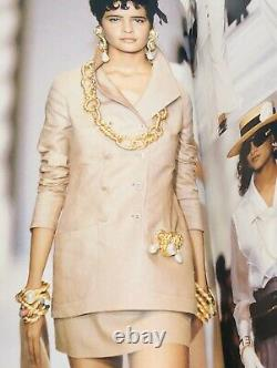 Runway CHANEL 1980s Large Gold Plated Rope Twist Pearl Drop Brooch