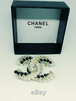 STAMPED Chanel classic CC Brooch Collection 2018-A gold tone faux pearls w box