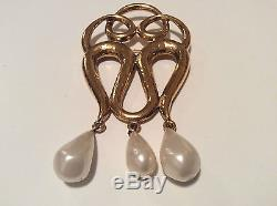 VINTAGE ULTRA RARE CHANEL HAUTE COUTURE BROOCH BY GOOSSENS 1960's MUSEUM PIECE
